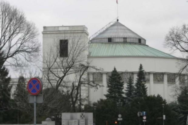 Sejm: zdrowotna specustawa po pierwszym czytaniu