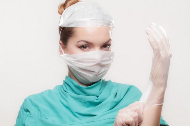 Co lekarze robią w trakcie specjalizacji, a co robić powinni