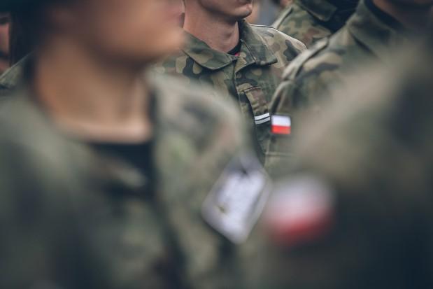 Specjalizacje w MON: dentysta musi w większym stopniu związać się z wojskiem