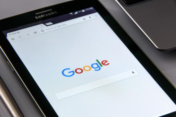 Jak dentysta powinien spierać się z dr Google