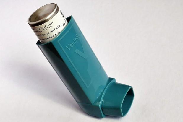 Astma i choroba dziąseł - bliskie związki
