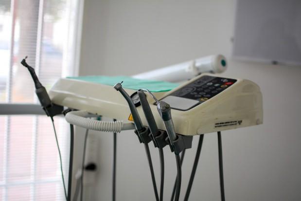 Mydlenie oczu gabinetami stomatologicznymi