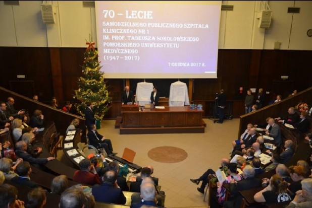 W Szczecinie wszczepiono staw skroniowo-żuchwowy