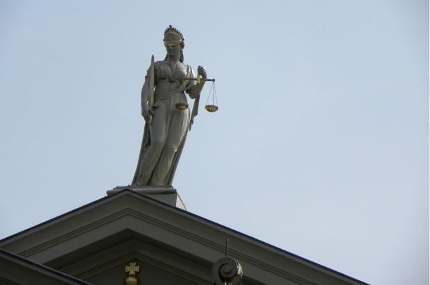 Sąd: pacjentka sama sobie winna, bo nie nosiła protezy