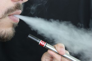 E-papierosy nie przebarwiają zębów?