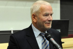 Prof. Marek Ziętek w Grodnie na temat schorzeń przyzębia