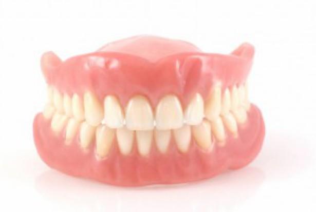 Protezy stomatologiczne same walczą z grzybicą