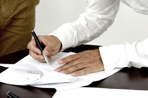 Świadczenia publiczne: głos za zniesieniem restrykcji w zatrudnianiu personelu medycznego