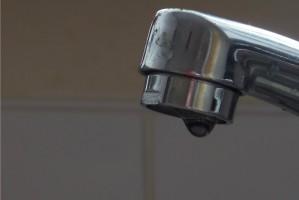 USA: próchnica groźniejsza u dzieci, które nie piją wody z kranu