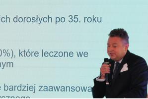 1 na 100 Polaków nie ma problemu z dziąsłami