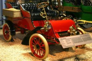 Dentysta właścicielem pierwszego seryjnego samochodu na świecie