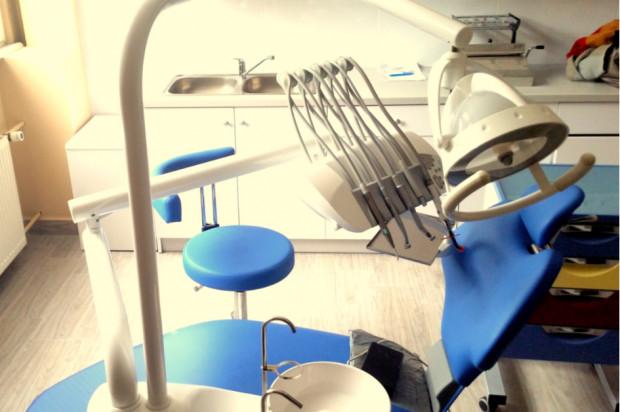Stomatologia: w Dzierżoniowie dzieci leczą