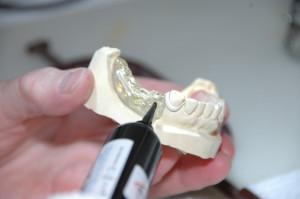 Technik dentystyczny także w służbie zdrowia pracuje w warunkach szczególnych