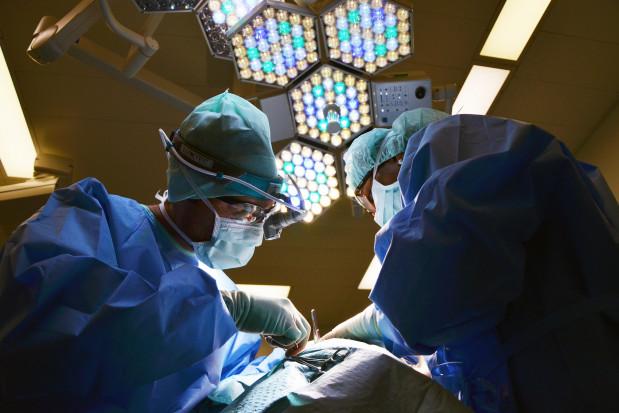 Olsztyn: pionierska operacja rekonstrukcji szczęki