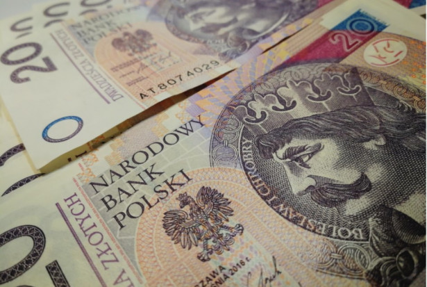 Usunięcie zęba z dłutowaniem na NFZ i z opłatą 150 zł