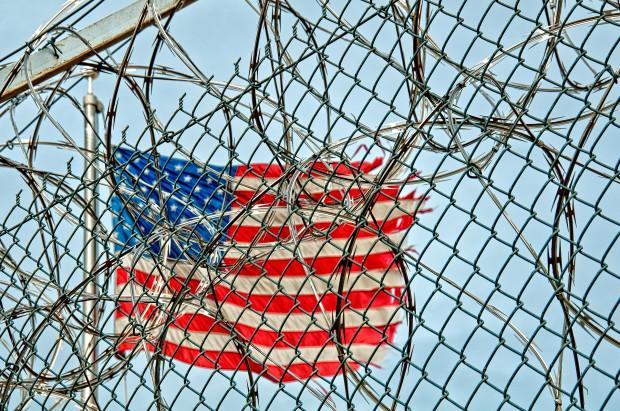 Teksas: więźniom odmawia się protez stomatologicznych