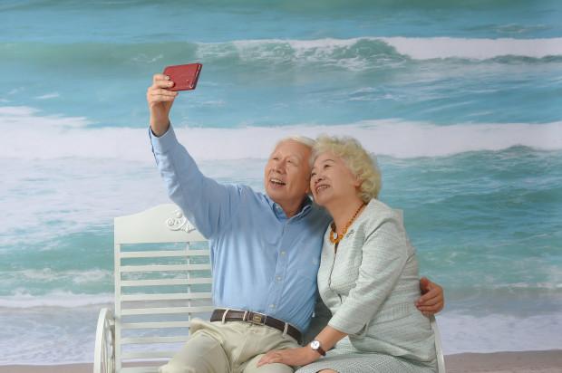 Srebrne tsunami, czyli gerostomatologia