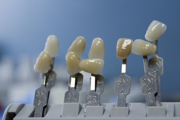 GUMed: wolny etat instruktora technik dentystycznych