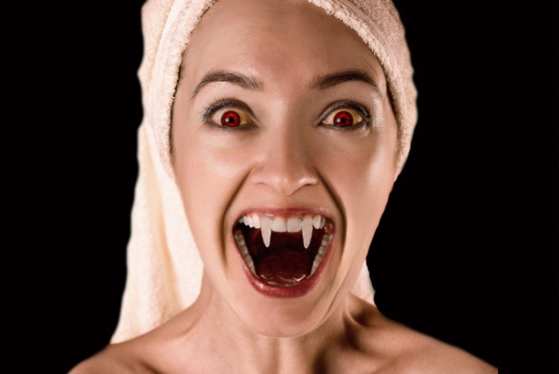 Moda na niszczenie sobie zębów zatacza coraz szersze kręgi