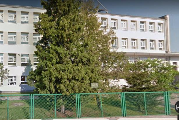 Alfamed poprowadzi gabinet stomatologiczny w toruńskiej szkole
