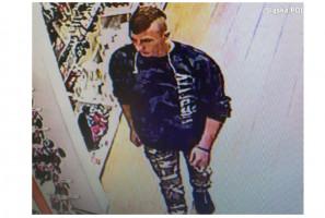 Policja w poszukiwaniu śladów złodzieja szczoteczek do zębów