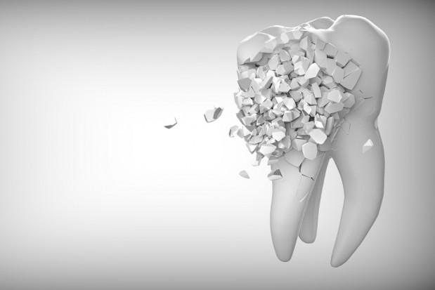 Seniorzy edukują przedszkolaki jak ważna jest dbałość o zęby