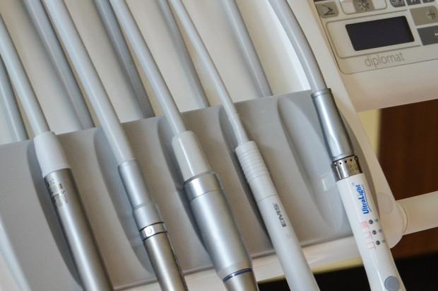 Coś się dzieje wokół amalgamatu stomatologicznego