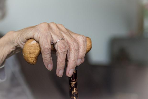 Naukowcy: bakterie periodontologiczne mogą nasilać chorobę Alzheimera