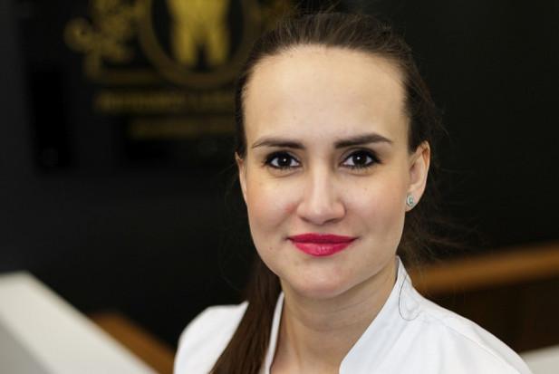 Afty stopują pracę dentysty