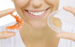 Ortodontyczny pacjent jest kobietą