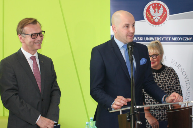 Wiceminister zdrowia Sławomir Gadomski o limitach przyjęć na stomatologię