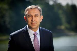 Dentysta senator wygrywa wybory parlamentarne 2019
