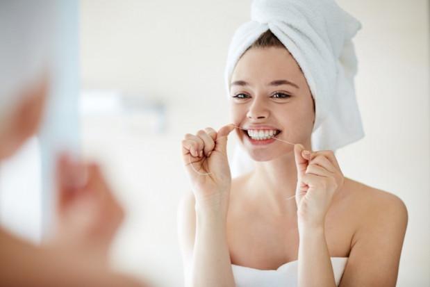 Problemy z zębami? Kobiety mają gorzej.