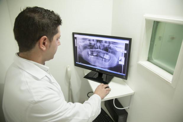 Paradontoza powiązana ze zwapnieniem tętnic szyjnych
