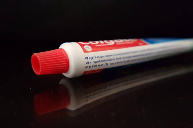 Tubka pasty do zębów dla chroniących środowisko