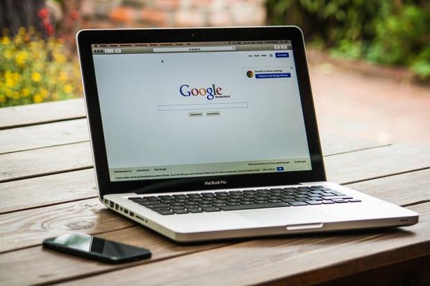 Dentysta zmusza Google do przekazania danych oceniającego