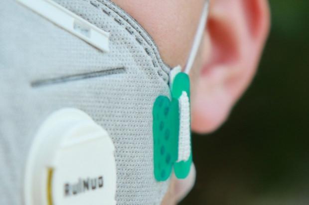 Sanepid wspiera podmioty lecznicze maseczkami w ilości po … pięć sztuk