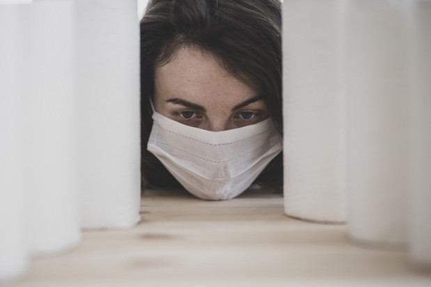 MZ konsultuje zakrywanie twarzy maseczkami