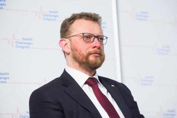 Szumowski: maseczki chirurgiczne zostawmy medykom