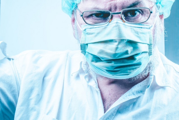 Koronawirus: problemy polskich dentystów problemami kolegów w Anglii
