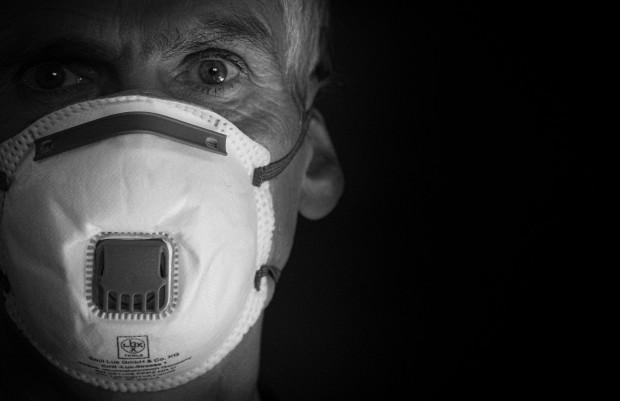 Obciążać, czy nie obciążać pacjenta kosztami środków ochrony osobistej?