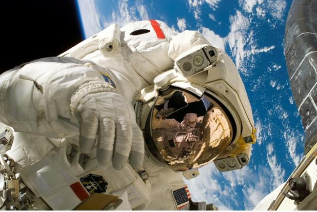 Dentysta o wyglądzie kosmonauty spowszednieje?