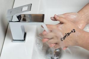 Co oznacza dodatni wynik testu u ozdrowieńca z COVID-19