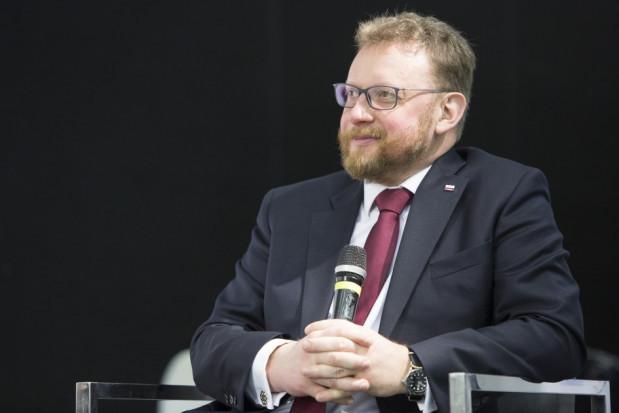 Szumowski: decyzje o noszeniu maseczek w otwartej przestrzeni pod koniec maja