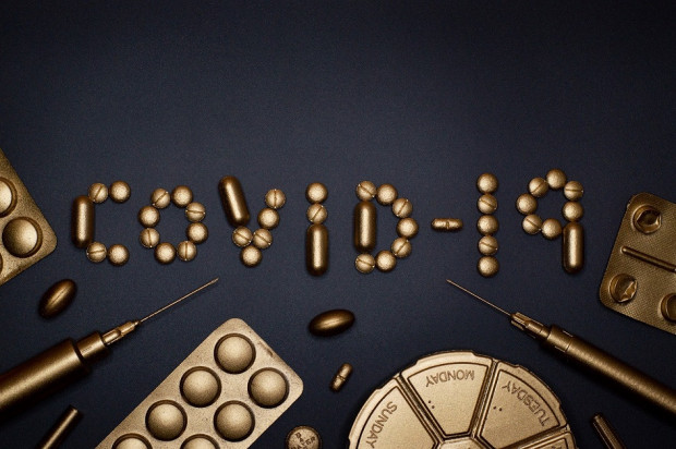 Leki na COVID-19 setki powielanych badań