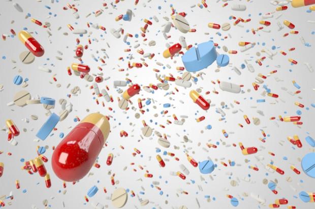 Jaki antybiotyk niewskazany po ekstrakcji?