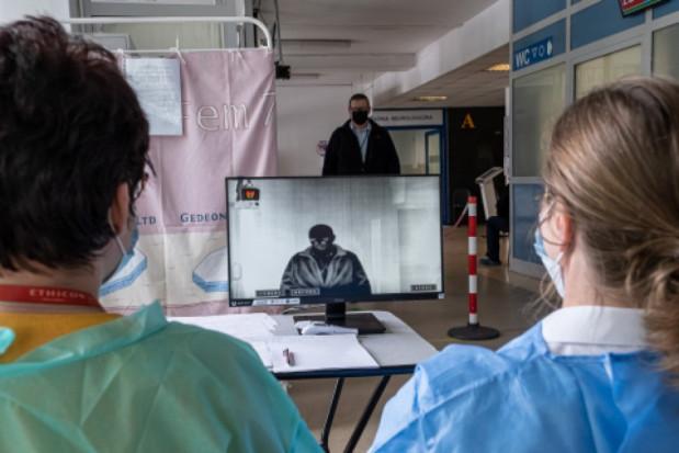 WUM: badania nad termowizyjną identyfikacją osób z gorączką