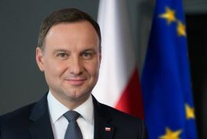 Prezydent Polski pierwszym antyszczepionkowcem kraju