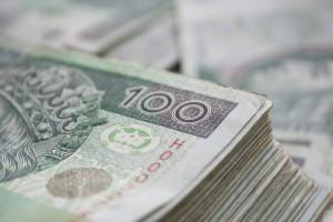 Podciąganie wynagrodzeń pracowników placówek leczniczych do płacy minimalnej