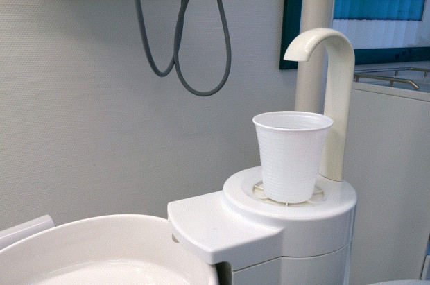 Chaos w gabinetach dentystycznych